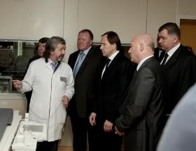 Губернатор Красноярского края Лев Кузнецов посетил Федеральный Центр сердечно-сосудистой хирургии