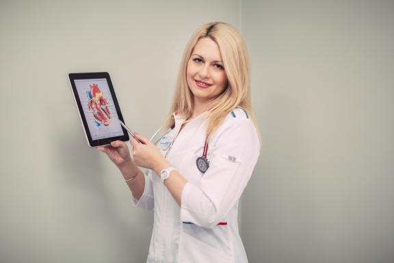 В Красноярске стартует акция «Помоги своему сердцу» - бесплатная процедура ЭКГ и консультация кардиолога для всех желающих