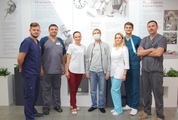 Красноярские кардиохирурги спасли молодого мужчину, которому требовалась экстренная пересадка донорского сердца